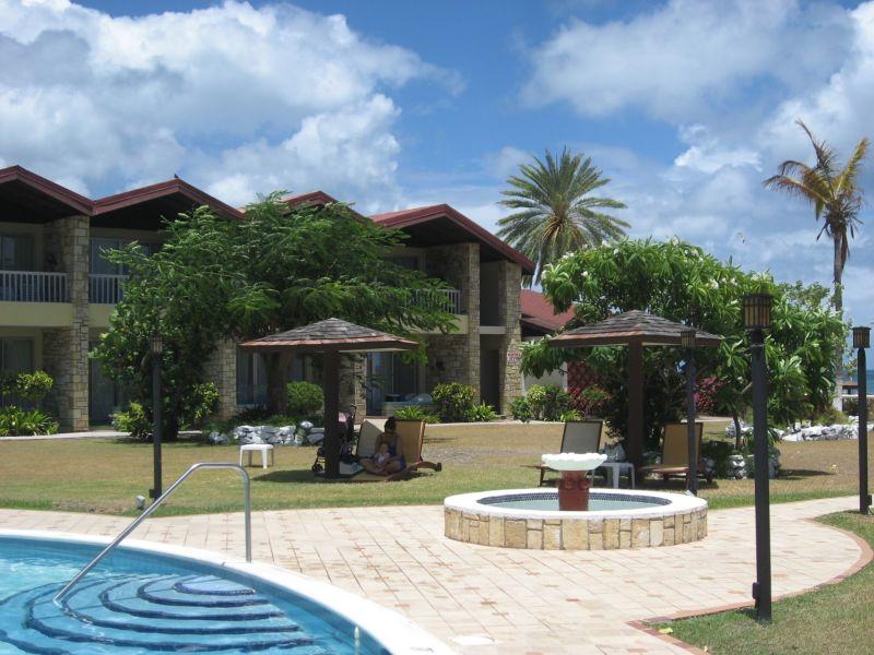 Halcyon Cove Pool